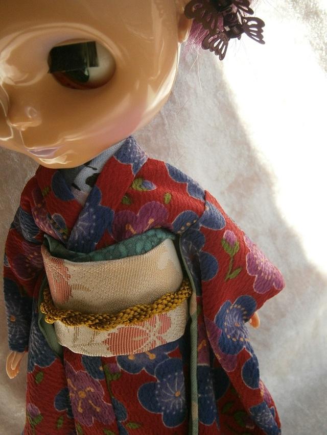 【ミニチュア着物】桃の花の真っ赤なお振袖(ブライス・リカちゃんサイズ)ふるやのりこ作
